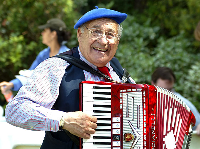 Los Angeles French Accordionist 1