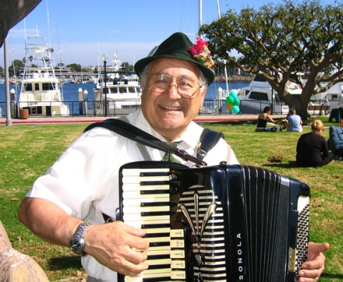 Los Angeles German Accordionist 1