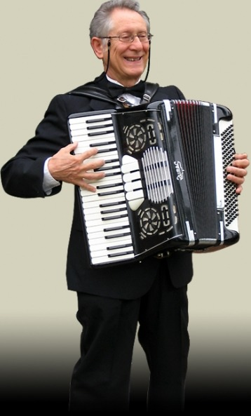 Chicago-Accordionist-2-pic-1