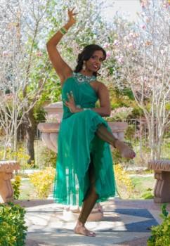 Los Angeles Bollywood Dancer 1 pic 2.jpg