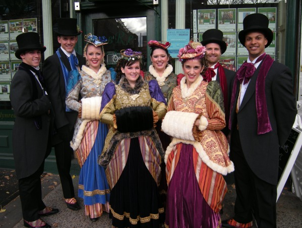 New-York-Christmas-Carolers-1-pic-1