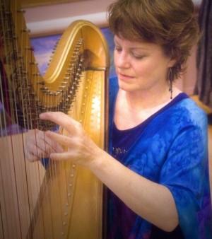 San Diego Harpist 1 pic 1.JPG