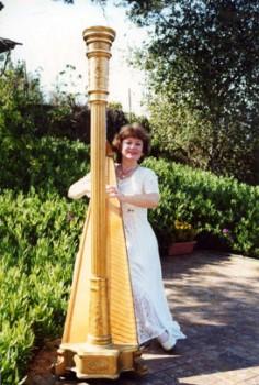 San Diego Harpist 1 pic 2.jpg