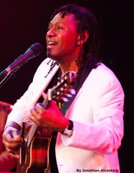 Seattle Brazilian Guitarist 1 pic 3.jpg