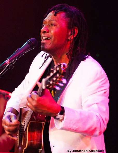 Seattle-Brazilian-Guitarist-1-pic-3