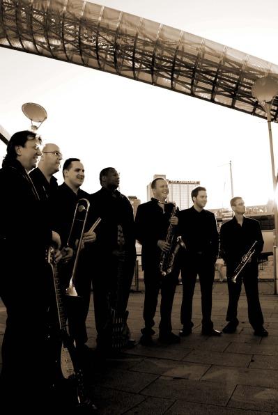 UK-Variety-Band-1-pic-1