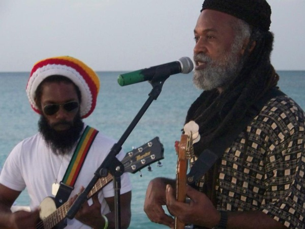Columbus-Reggae-Band-1-pic-2