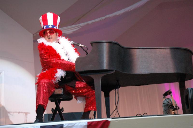 Boston-Elton-John-Impersonator-1-pic-1