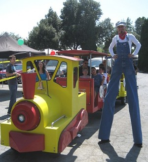 Los Angeles Stilt Walker 2 pic 2.jpg