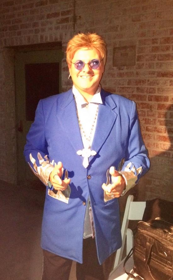 Philadelphia-Elton-John-Impersonator-1-pic-2
