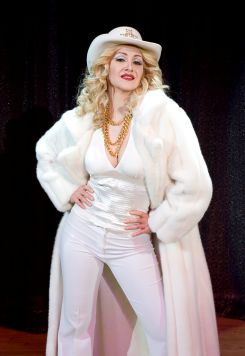 Madonna-Impersonator-1-pic-4