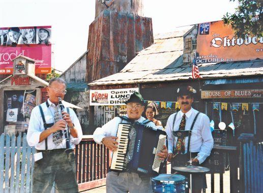 Los-Angeles-German-Accordionist-1-pic-3